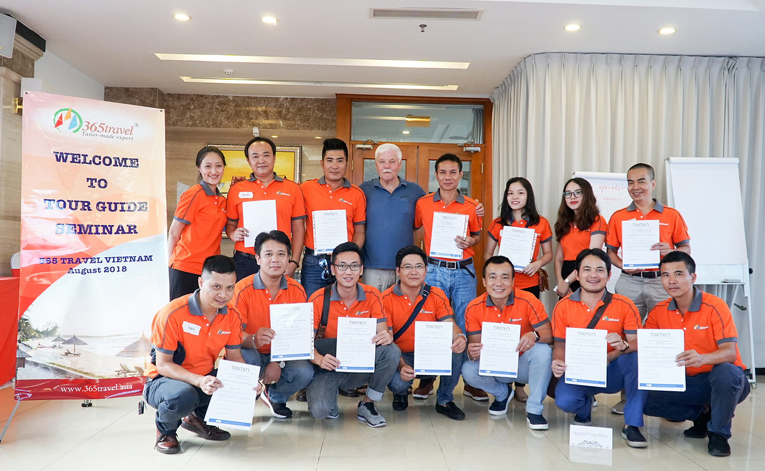 365 Travel conducts the training seminars for tour guides in Vietnam