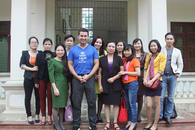 Meeting high school students in Thanh Son
