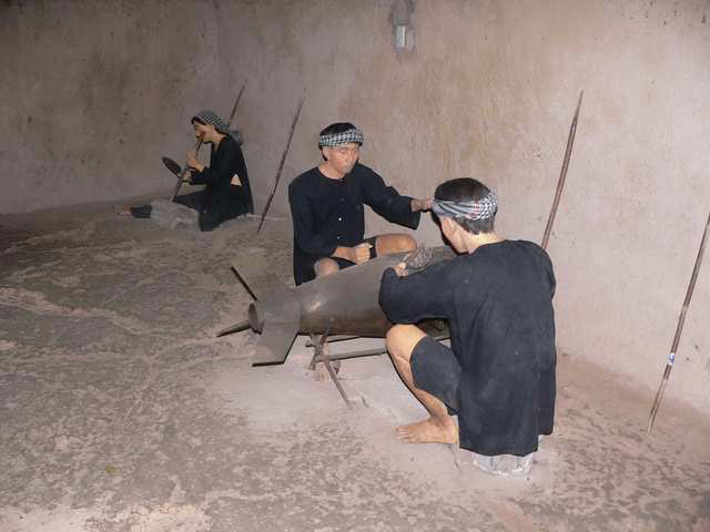 Modelling communist soldiers fighting inside Cu Chi Tunnels