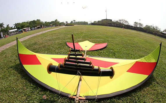 Biking To Vi Da Village & Fly Kites At Ngo Mon Gate