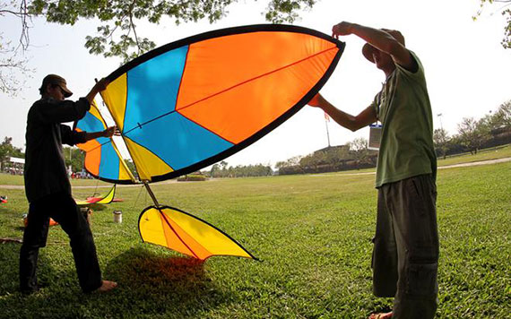 Fullday Fly Self-made Kites With Lunch