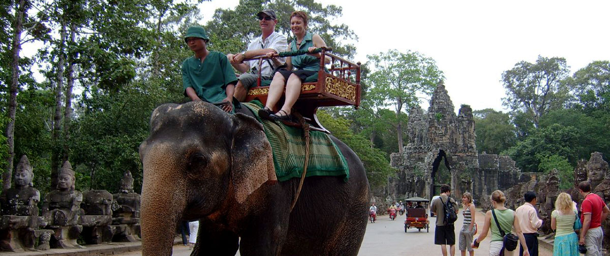 Siem Reap – Half Day Sunrise At Angkor Wat + Angkor Thom Tour By Tuktuk + Elephant Ride